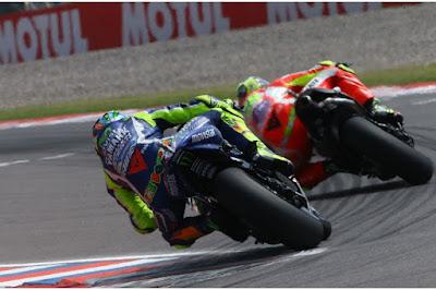 Kini Rossi Akui Takut Berduel dengan Iannone