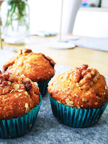 healthier banana, walnut and nutella muffins