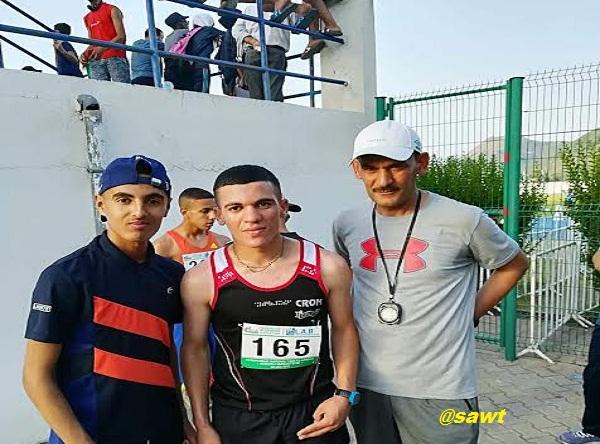العداء عمراوي حمزة  يشرف الشلف  بفوزه بالمرتبة الاولى في سباق 3000 متر