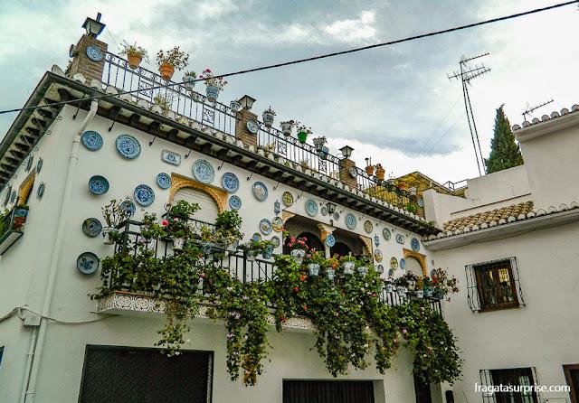 Fachada no bairro mouro do Albaicín, Granada, Andaluzia