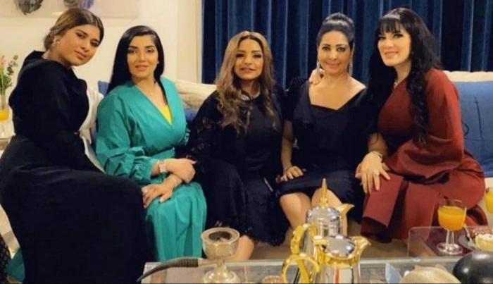 تدور أحداث المسلسل حول القضايا الاجتماعية الهامة التي تقف أمام المجتمع العربي الخليجي، سنرى الكثير من التحديات والصعوبات التي
