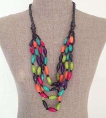 Collier sautoir de perles en bois naturel - Bijoux Chérie - Blog