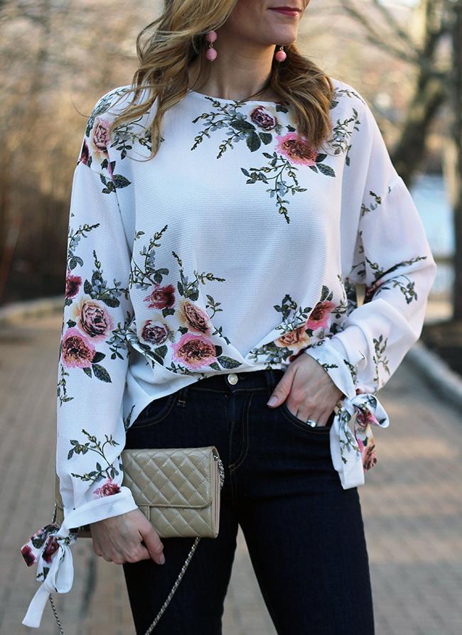 Floral Blouse #floraltop #springstyle #tiesleeveblouse