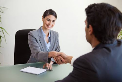 Anda harus memperhatikan saat tes wawancara bagaimana cara mengatasi wawancaranya dan mebciptakan kesan positif kepada pewawancara