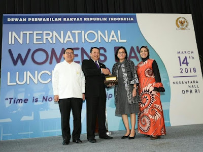 Bareng Fadli Zon, Bamsoet Beri Penghargaan ke Sri Mulyani - Info Presiden Jokowi Dan Pemerintah