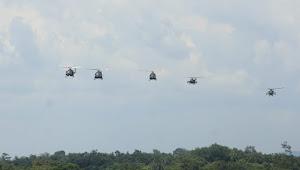 Keren!! TNI Mampu Membelah Langit Martapura Lewat Tembakan Udara Apache