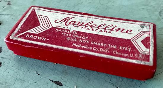 Maybelline cake mascara 10-cent box 1932 - top