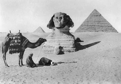 Οι πρώτοι «σύγχρονοι» τουρίστες των Πυραμίδων