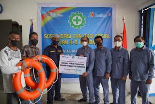 Aksi Sosial Bulan K3: INALUM Bantu 50 Pelampung dan Berikan Sosialisasi K3 Kepada Nelayan Di Sekitar Perusahaan