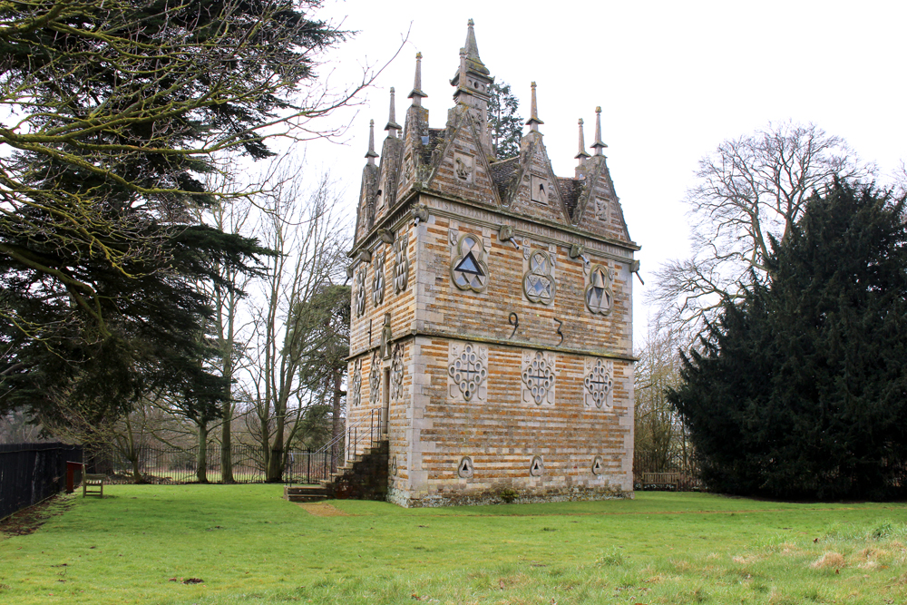 Rushton Triangular Lodge folly at Rushton Hall in Northamptonshire - UK lifestyle & travel blog