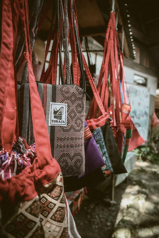 Tas tangan etnik khas Toraja