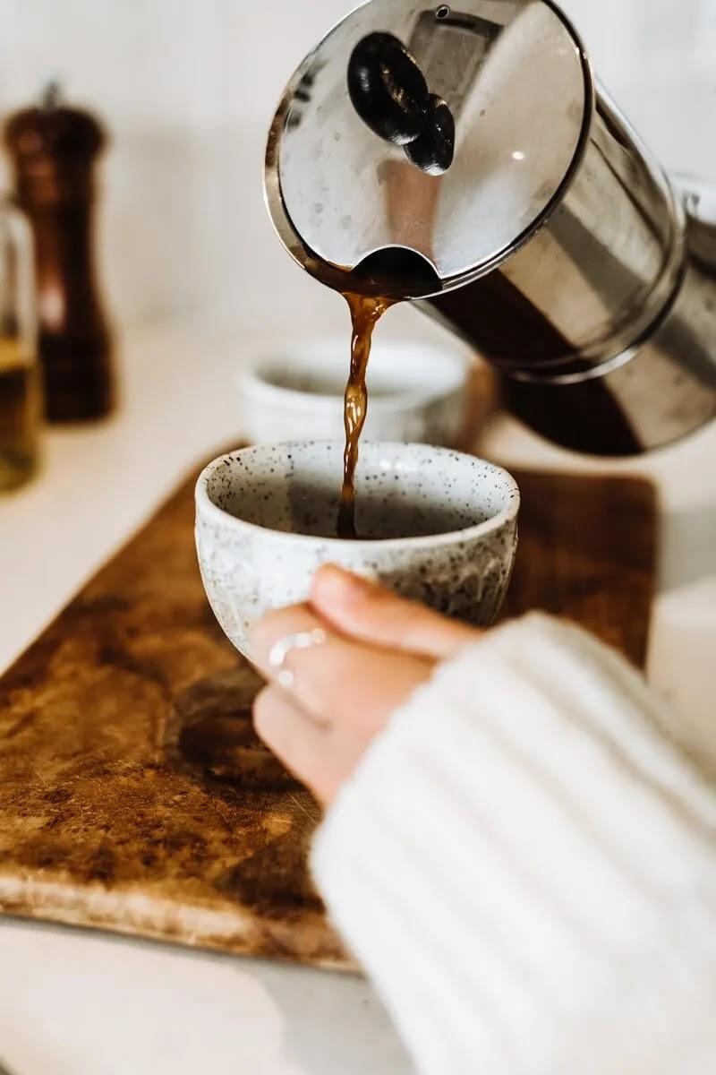 kafa-dobro-jutro-šoljice-kafić-šarmatno