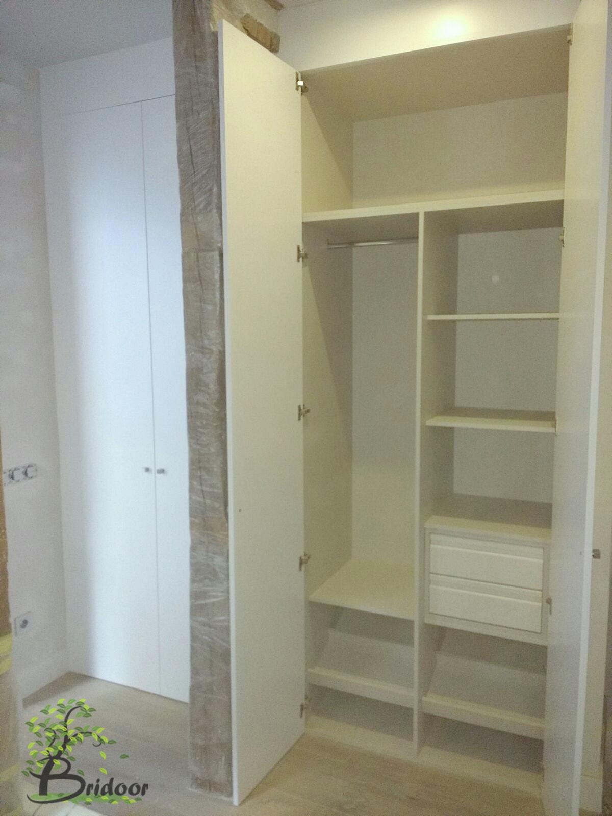 Bridoor s l vivienda lacada con puertas y armarios en c - Puertas y armarios ...