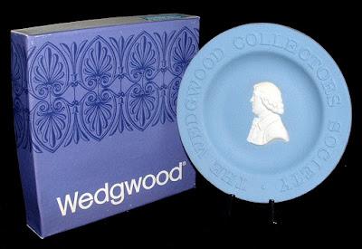 https://timewasantiques.net/products/josiah-wedgwood-blue-jasperware-dish-wedgwood-england-1970s-boxed?_pos=1&_sid=dc9af172b&_ss=r
