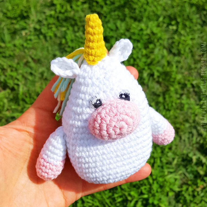 mini unicornio amigurumi patron