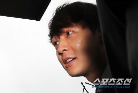 Park Yoochun cezaevine gönderildi, soruşturması devam edecek