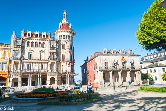 La torre de los Moreno y el Palacio Ibañez - Sagardelos en Ribadeo