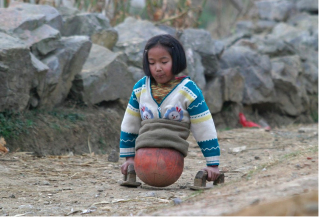 "China's ""Basketball Girl"" Reaches New Heights"