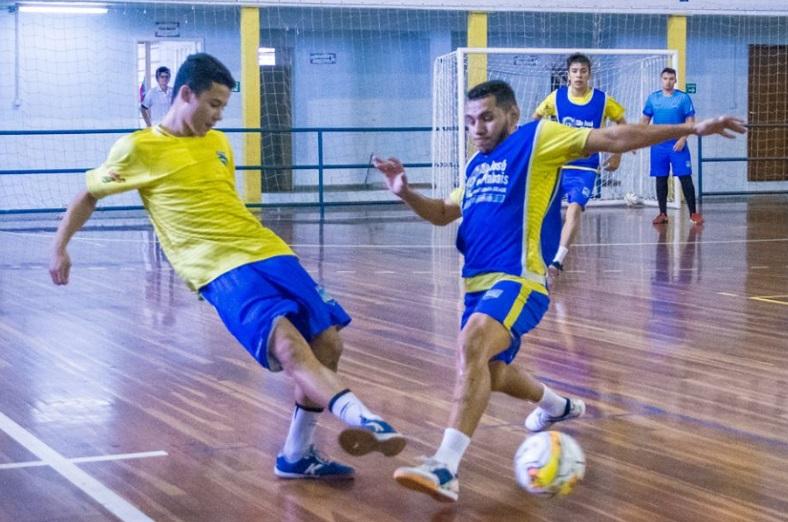 f8b1b90e4cbe0 Novo Futsal SJP  São José dos Pinhais Futsal Master Cargas volta aos ...