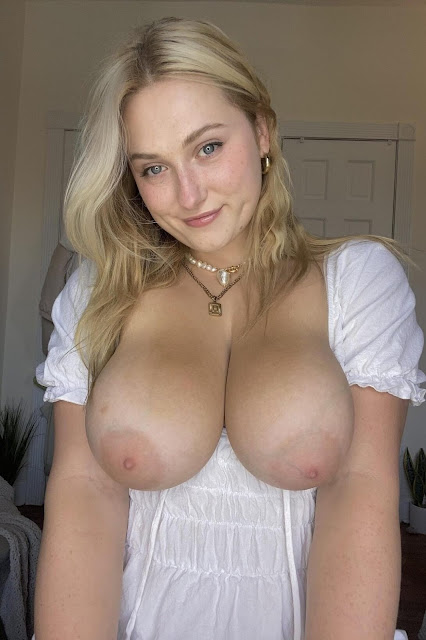 gorgeouus girl with big boobs ouut ofer dress