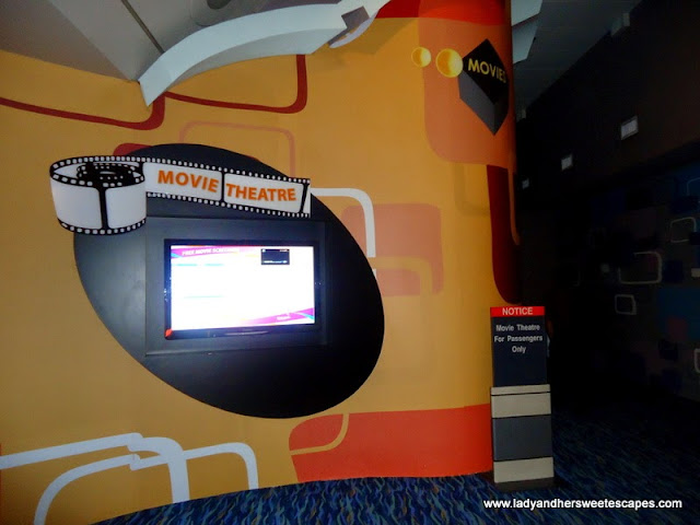 watch a movie in a movie theater in Changi Airport Singapore