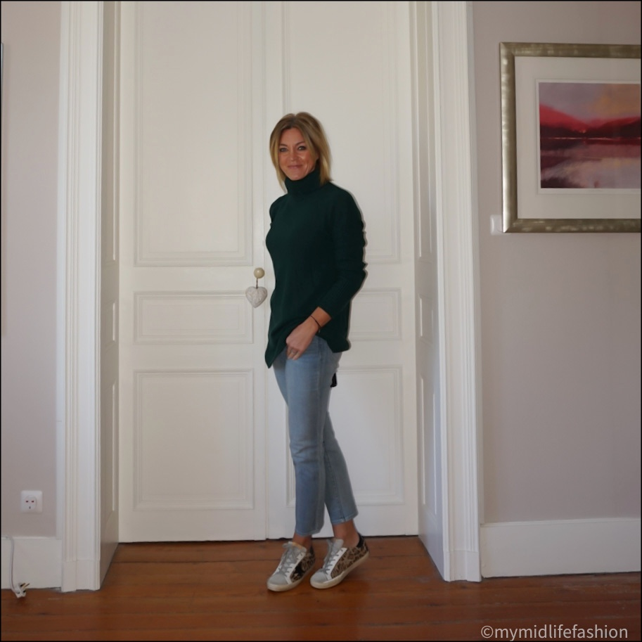 my midlife fashion, baukjen  Amelia greencash jumper, Ralph Lauren straight leg cropped jeans, golden goose superstar low top leather trainers