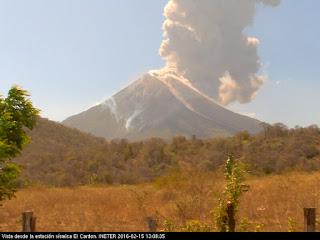 Explosion sur le volcan Momotombo, 15 février 2016 après-midi