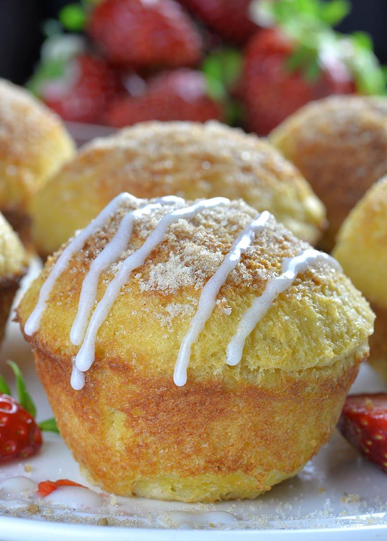 breakfast muffins : Cream Cheese Strawberry French Toast Muffins