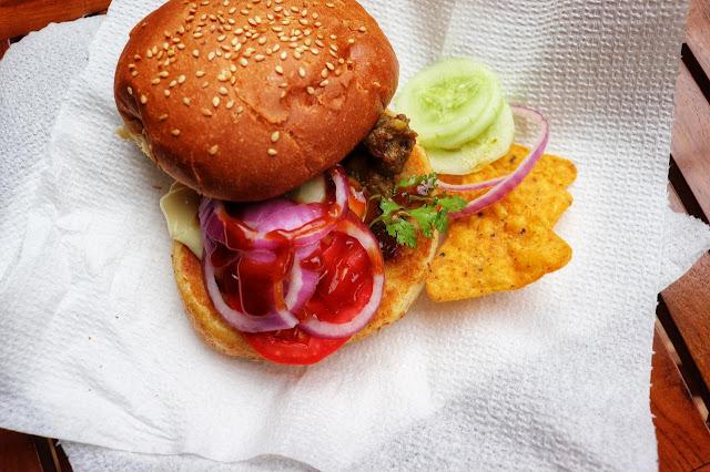 Pork curry burger