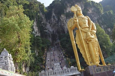 المعبد الهندي ماليزيا (Batu Caves)