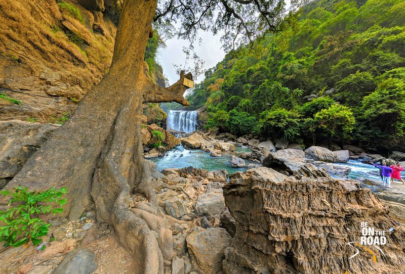 Sathodi Falls - the pretty jungle waterfall of Karnataka