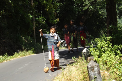 Amed village tour