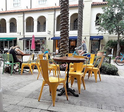 City Place, West Palm Beach Florida is a great place for dining, shopping, & entertainment.  It's pet friendly too!
