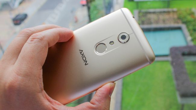 data zte axon camera review from the