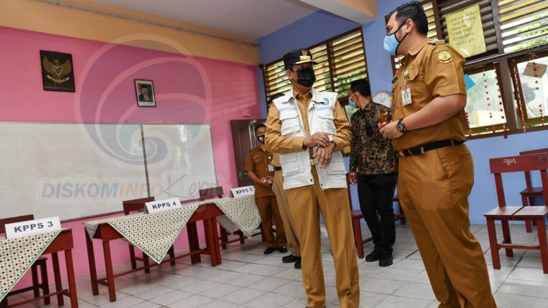 Gubernur Kepri Ajak Masyarakat Gunakan Hak Pilih saat Pantau Penerapan Protkes Di TPS
