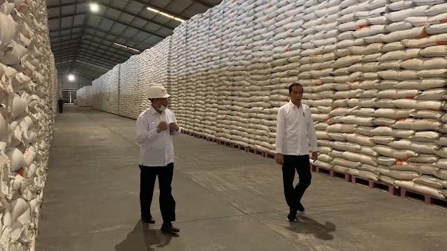 Serap Produksi Petani, Stok Beras Bulog Tembus Satu Juta Ton