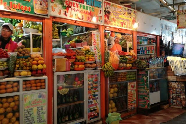 Scorcio del Mercato Lanzia a La Paz, Bolivia