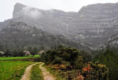 Roca de migdia Beseit Beceite agua lluvia