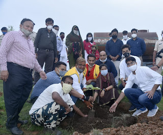 लायंस क्लब जावरा द्वारा आयोजित वृक्षारोपण कार्यक्रम संपन्न