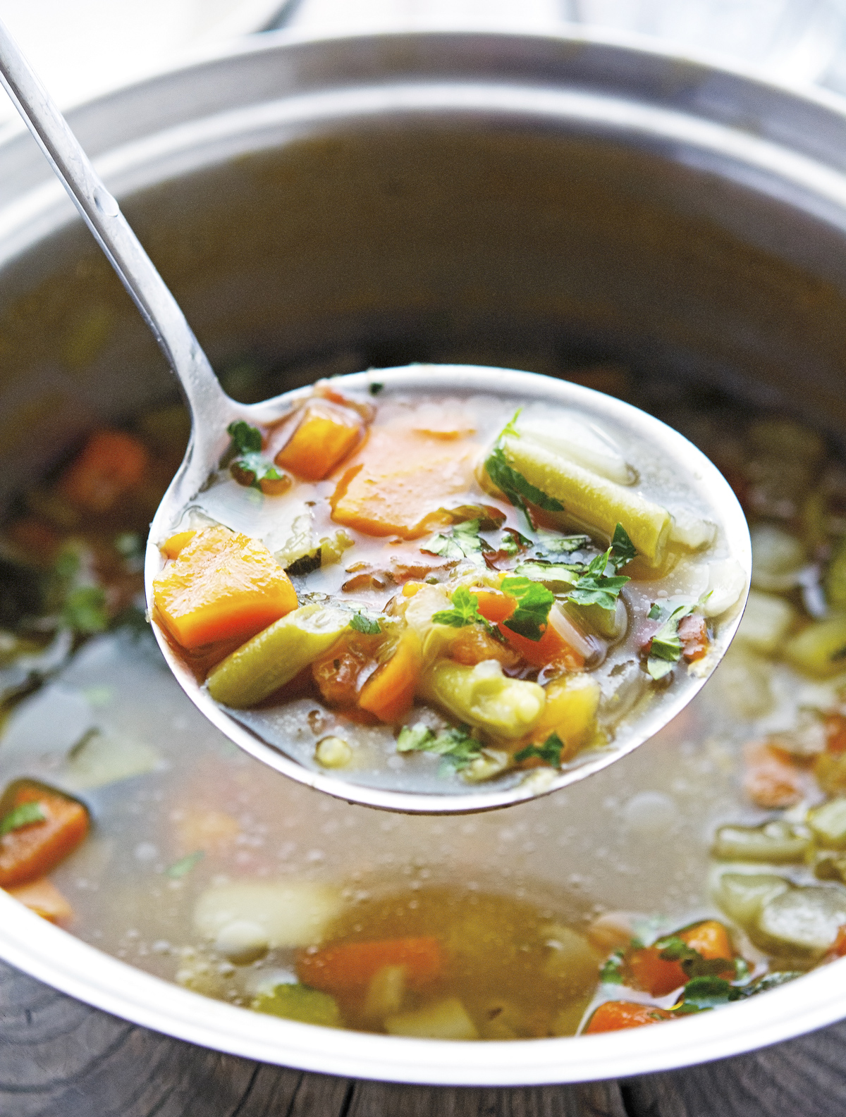 Light Italian Minestrone Soup