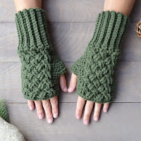 Celtic Gloves Pattern by Over The Apple Tree