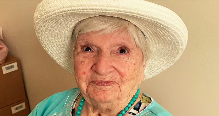 102 Year Old Greek-American Yiayia Survives COVID-19