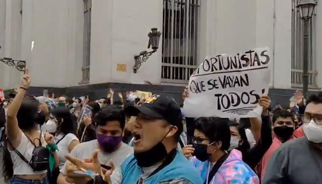 Protestas contra Merino en medio de la pandemia