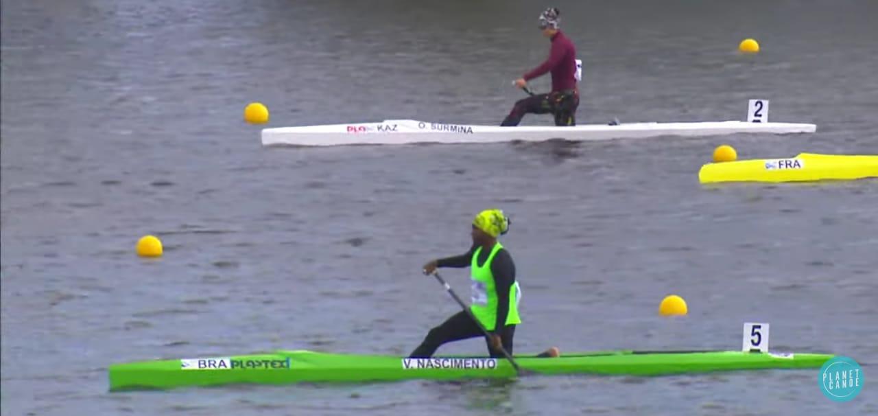 Valdenice Conceição em ação no Pré-Olímpico de canoagem velocidade, buscando um lugar nas Olimpíadas de Tóquio