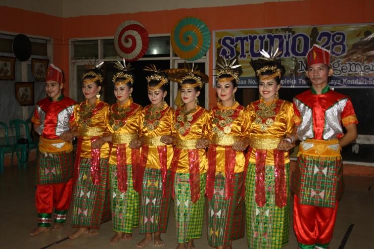 Tari Molulo, Tari Tradisional Dari Provinsi Sulawesi Tenggara