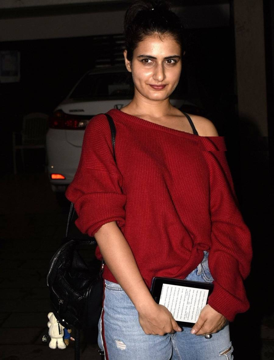 Indian Girl Fatima Sana Shaikh Without makeup Oily Face