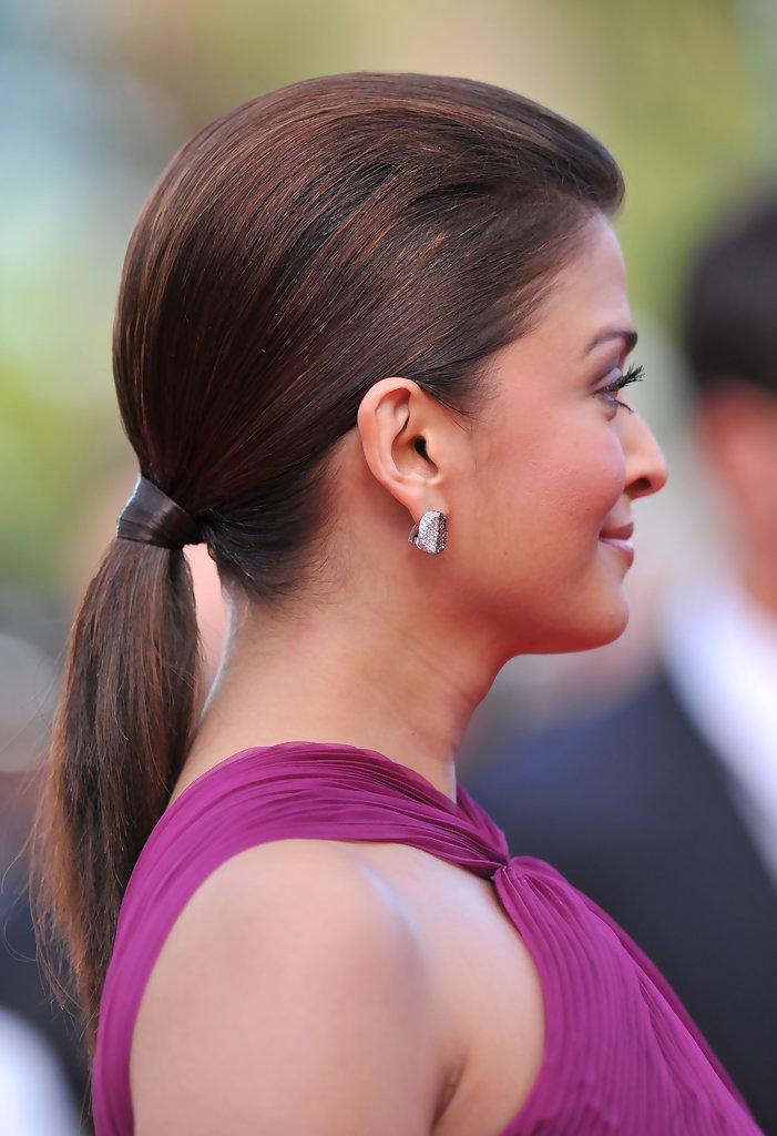 Aishwarya Rai Age, After Pregnancy Pics, Hot Bold Aishwarya Rai Bacchan - http://hotbollywoodhollywoodactressphotos.blogspot.com