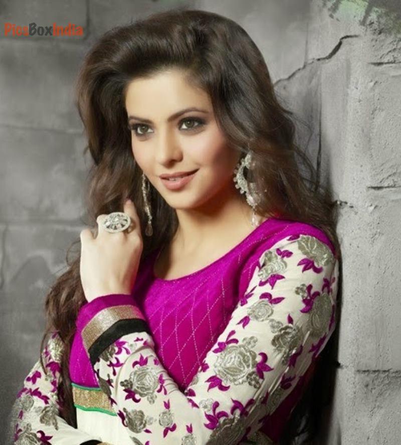 Tv Serial Actress Aamna Sharif 14 Beautiful HD Images HD