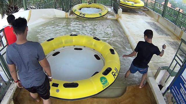 Riang Ria di A'Famosa Water Theme Park