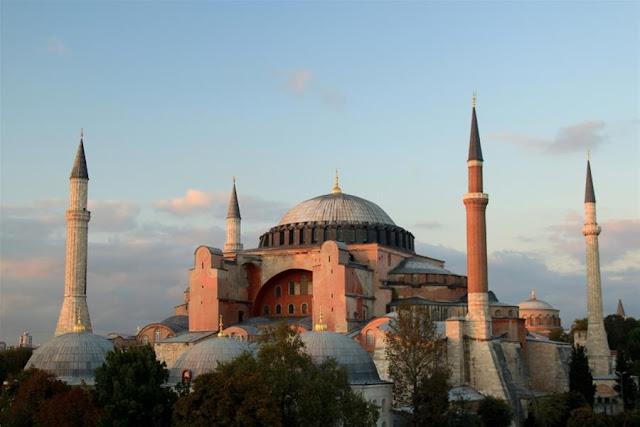 ΝΥΤ: Θα μετέτρεπε ο Προφήτης Μωάμεθ την Αγιά Σοφιά σε τζαμί;